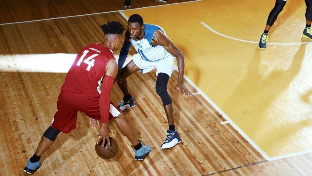 Basketbal indoor sporten