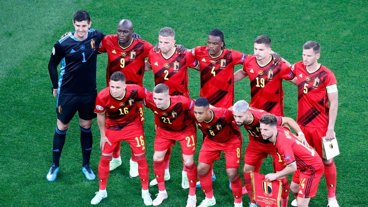 Opstelling Denemarken - België: maar één wijziging; De ...