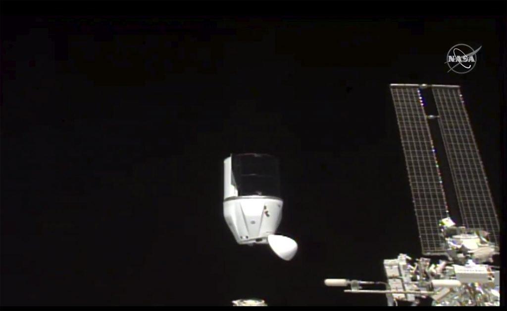 De Dragon van SpaceX koppelt zich los van het International Space Station op 12 januari.