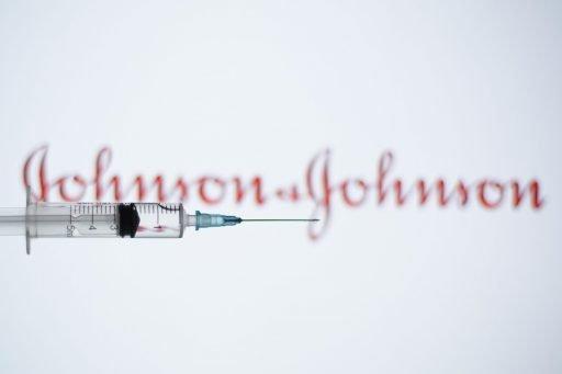 Vaccin Johnson & Johnson: plusieurs pays européens reprennent la vaccination, qu'attend la Belgique?