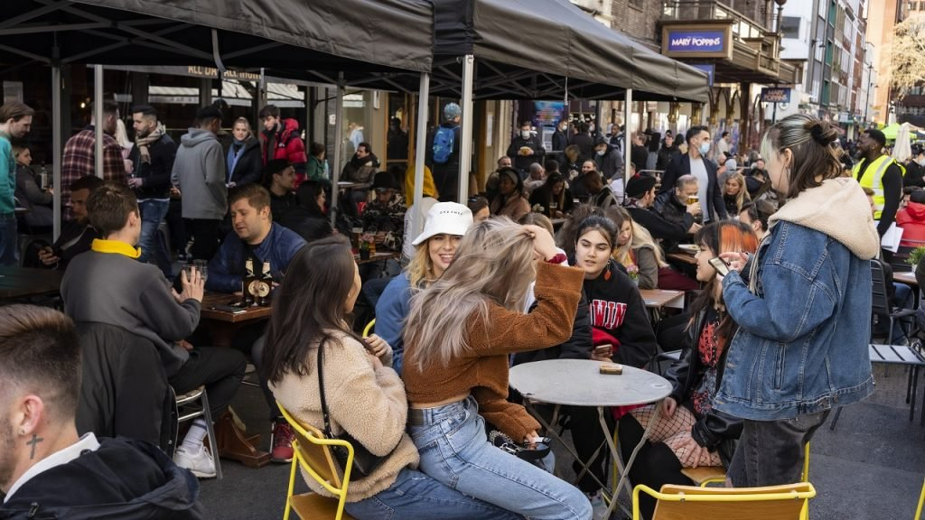 Londen-Verenigd-Koninkrijk-bars-heropening
