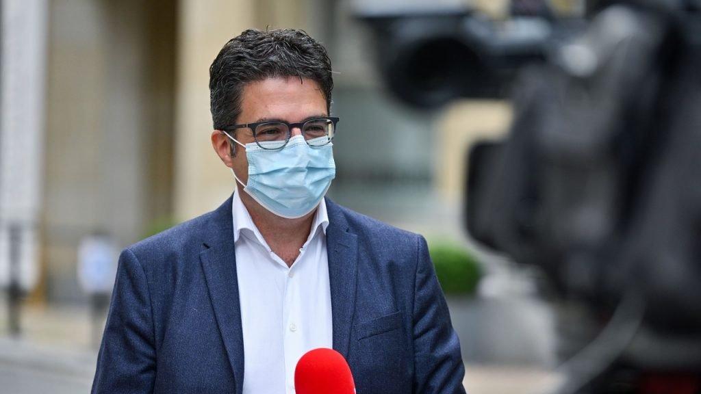 Steven Van Gucht mondmasker