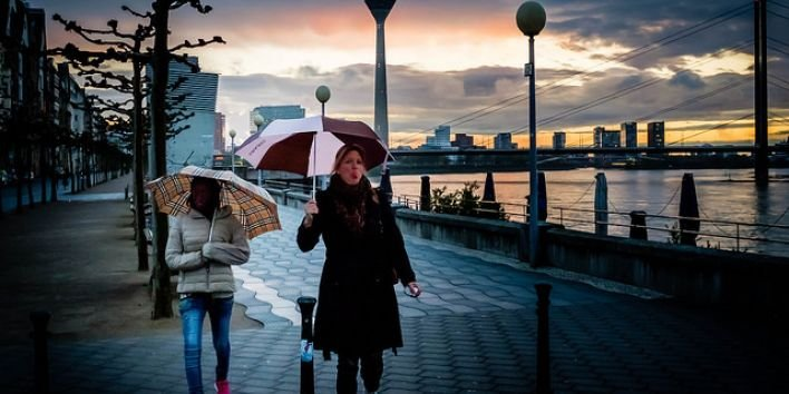 dusseldorf umbrella rain tongue